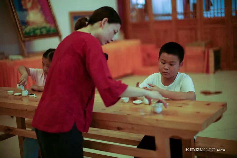 觉茶道 武汉 少儿茶艺课堂之云梦心虔寺