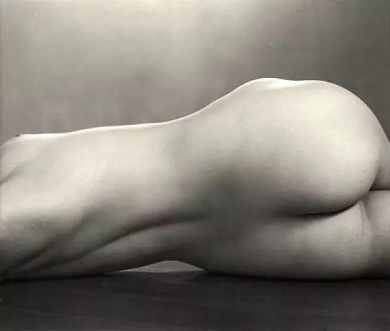 从明星,到人体模特,淬炼成一代革命家摄影大师