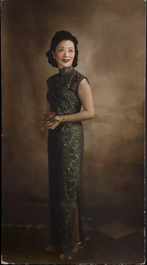 一个犹太摄影师用胶片拍了无数民国美女,美到无可救药!