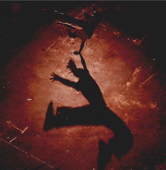 《雕刻光线 乔·麦克纳利》 下