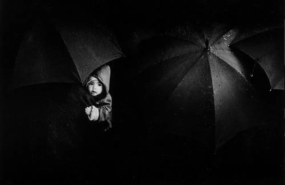 美图鉴赏|阿根廷摄影师PedroLuis Raota黑白人文作品