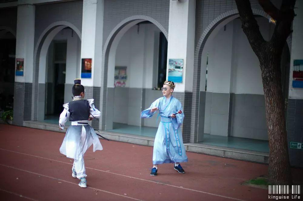 辅仁小学的小朋友们别开生面的毕业典礼