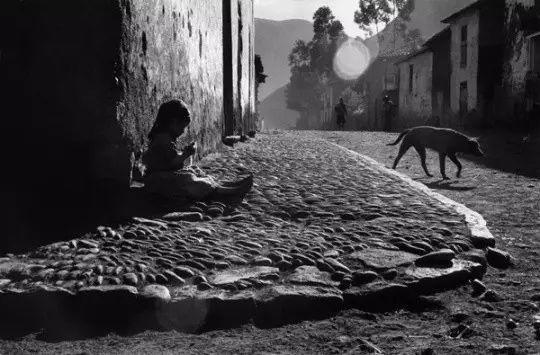 拉丁美洲首位马格南摄影师,街头纪实摄影的传奇