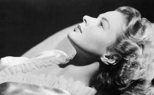 她的美冲破了黑白的世界:英格丽·褒曼